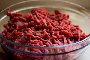 bowl ground beef for jerky